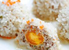 Xôi bọc trứng muối đậm đà đủ chất cho bữa trưa