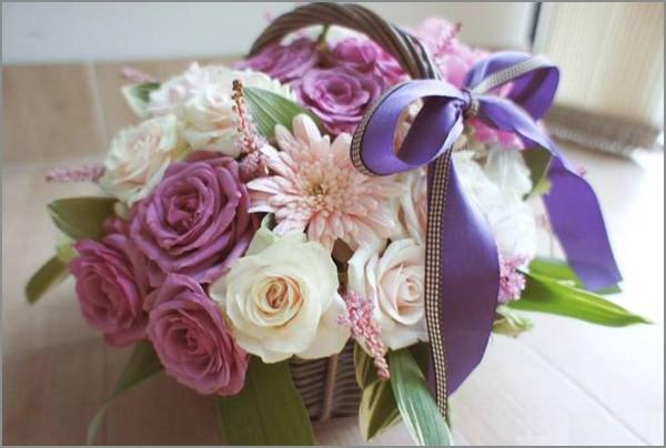 Cắm giỏ hoa thanh nhã trang trí nhà năm mới 9
