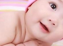 8 hoạt động hàng ngày giúp trẻ sơ sinh thông minh hơn