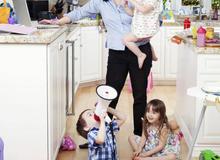 Những câu nói không mẹ nào ở nhà chăm con muốn nghe