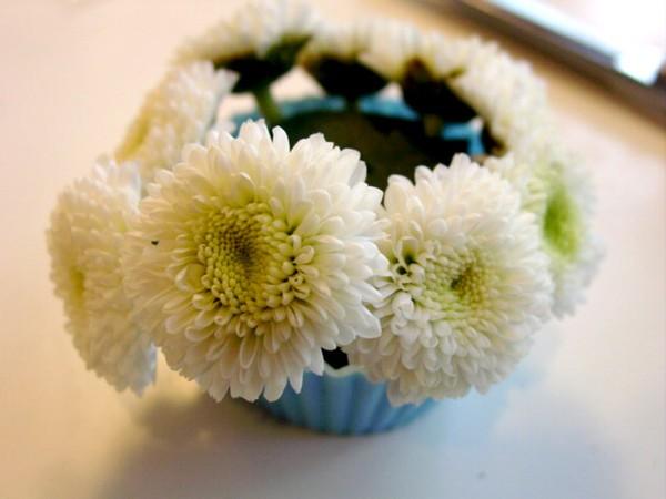 Đáng yêu kiểu cắm hoa hình bánh cupcake 9