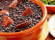 Feijoada - món ăn truyền thống độc đáo của Brazil