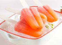 Tự làm kem dâu tây, bưởi đào mát lạnh