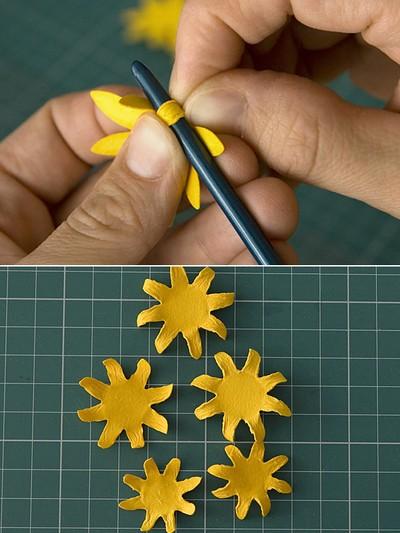 Cách làm hoa hướng dương trang trí thiệp đáng yêu 7