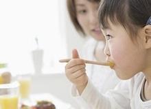 Chế độ ăn trong 'giai đoạn vàng' giúp trẻ phát triển trí não và thể chất