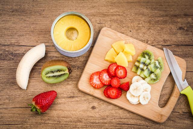 Bữa sáng thú vị cùng salad trái cây - Ảnh 1.
