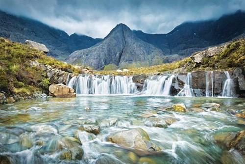 Isle of Skye huyền ảo trong sương mù