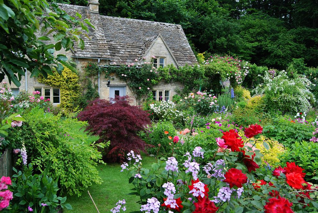 Tất cả mọi thứ, con người, thiên nhiên, không gian… đều khiến cho ngôi làng toát lên nét thanh bình và dung dị. Ảnh: flickr.com
