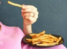 Bà bầu không nên ăn cà tím, khoai tây và những thức ăn này, đây là lí do…