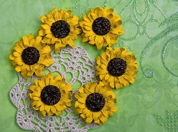 Cách làm hoa hướng dương trang trí thiệp đáng yêu 13