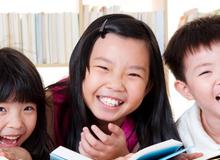 Cho con học tiếng Anh sớm: Đua đòi và phí tiền?!?