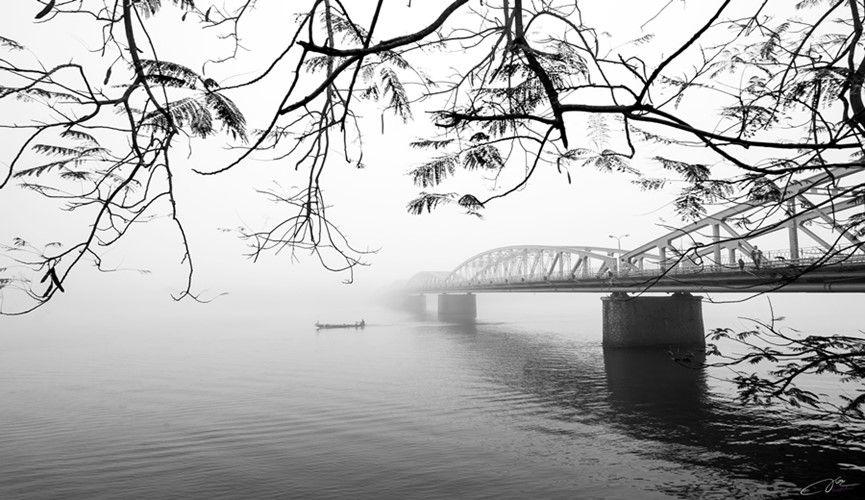 Những ngày đầu năm ở Huế có những buổi sáng mờ sương huyền ảo.