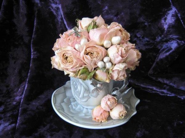 Cắm hoa hồng khô trong tách trà mới lạ độc đáo  - Ảnh 6.