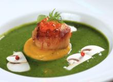 Món nấu nhanh: Cách nấu súp bó xôi nấm mỡ sò điệp