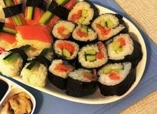 Thưởng thức món Kimbap Hàn Quốc tại mâm cơm gia đình