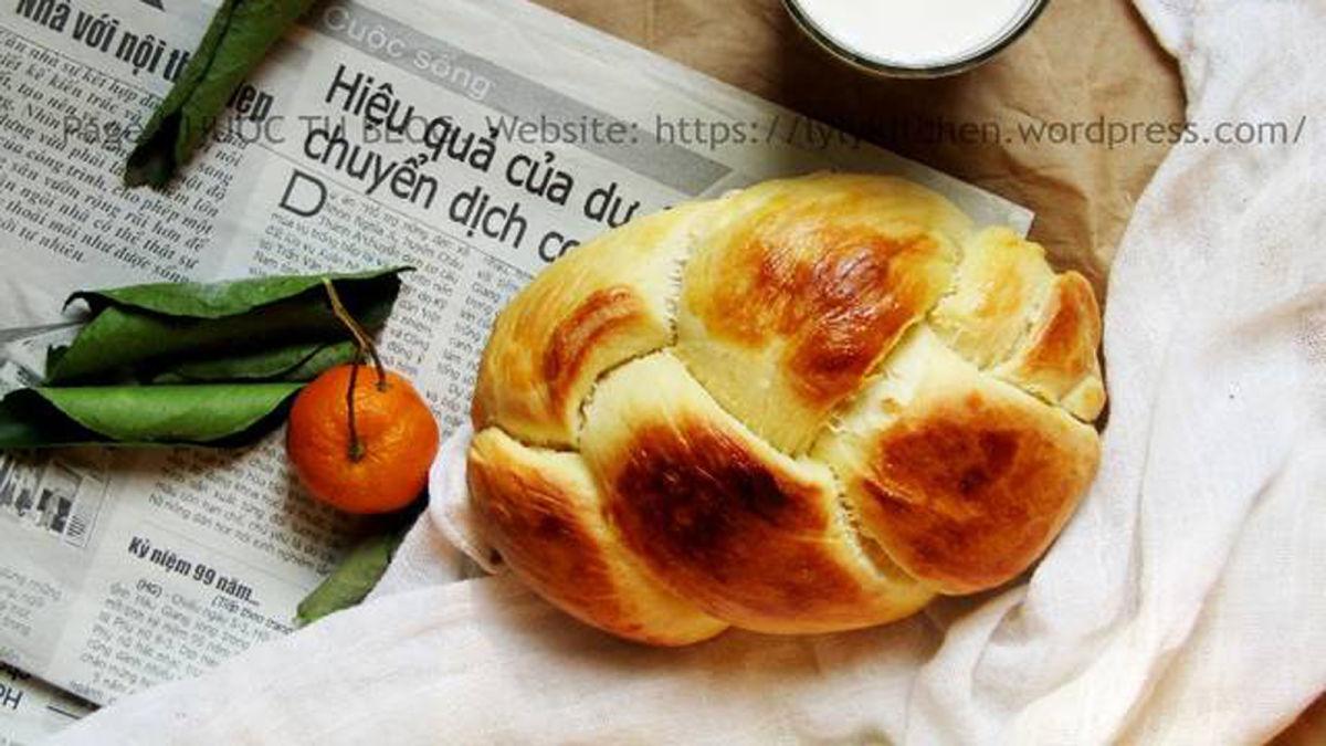 Cách làm bánh mì sữa chua thơm tơi như tiệm