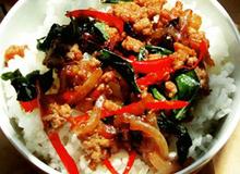 Cơm gà Thái Lan thơm cay dễ làm