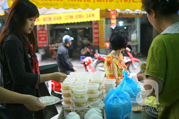 Cận cảnh một gia đình có truyền thống làm bánh trôi, bánh chay trên phố cổ 7
