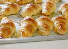 Cách làm croissant trứng muối ngon như ngoài hàng