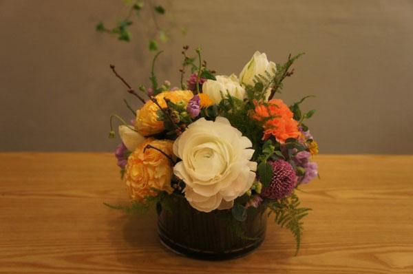 Cách cắm hoa mà dễ dàng thế này thì ai cũng có thể cắm hoa đẹp lung linh! - Ảnh 6.