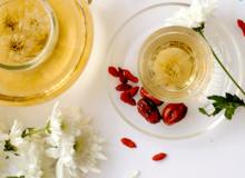 Món ngon ngày Tết: Trà hoa cúc và lợi ích của trà thảo mộc