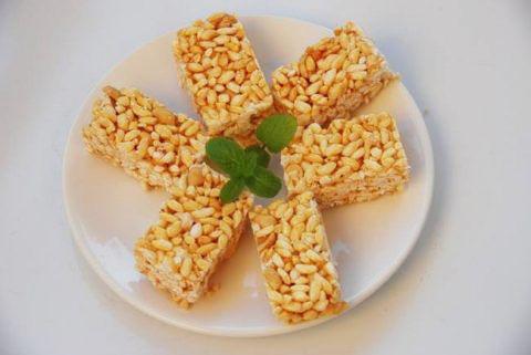 Bánh cốm gạo gừng – món ngon tuổi thơ
