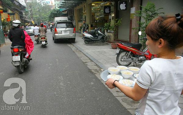 Cận cảnh một gia đình có truyền thống làm bánh trôi, bánh chay trên phố cổ 5