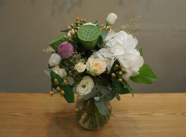Cách cắm hoa mà dễ dàng thế này thì ai cũng có thể cắm hoa đẹp lung linh! - Ảnh 9.