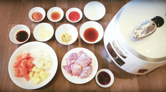 Cách làm gà hầm kiểu Hàn cực hao cơm ngày lạnh vừa nhanh vừa dễ - Ảnh 1.
