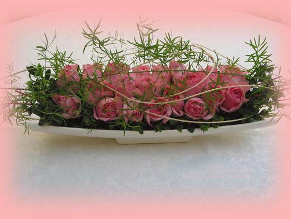 4 cách cắm hoa trang trí nhà đẹp mê mẩn - Ảnh 2.