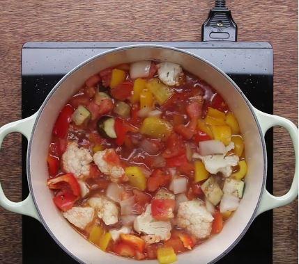 Bữa sáng nhanh gọn đủ chất với cốt lết nấu rau củ 6