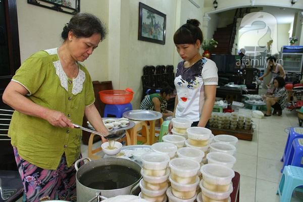 Cận cảnh một gia đình có truyền thống làm bánh trôi, bánh chay trên phố cổ 20