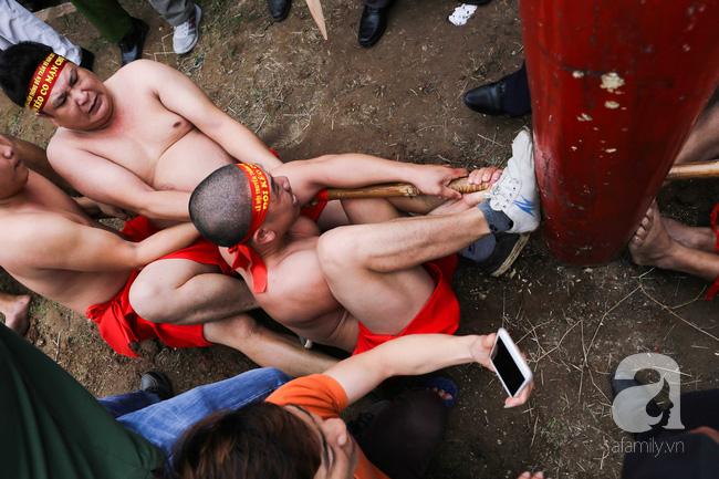 Độc đáo cuộc thi Kéo co ngồi truyền thống giữa lòng Hà Nội - Ảnh 6.