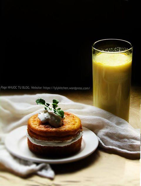 Pumpkin cake (Bánh bí ngô) và sữa bí ngô