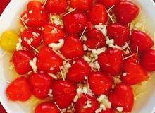 Gỏi cà chua bi trộn mắm tỏi ớt
