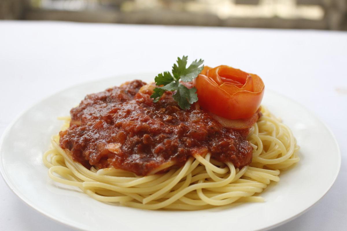 Cách làm Mì spaghetti xốt thịt bò cực đơn giản
