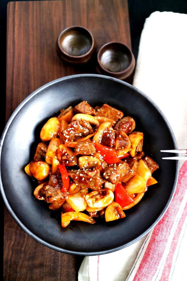 Bữa tối đậm đà với món thịt bò sốt nấm thơm ngon - Ảnh 7.