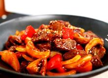 Bữa tối đậm đà với món thịt bò sốt nấm thơm ngon