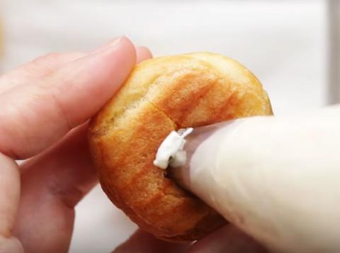 Cách làm bánh su kem ngon tan chảy 15