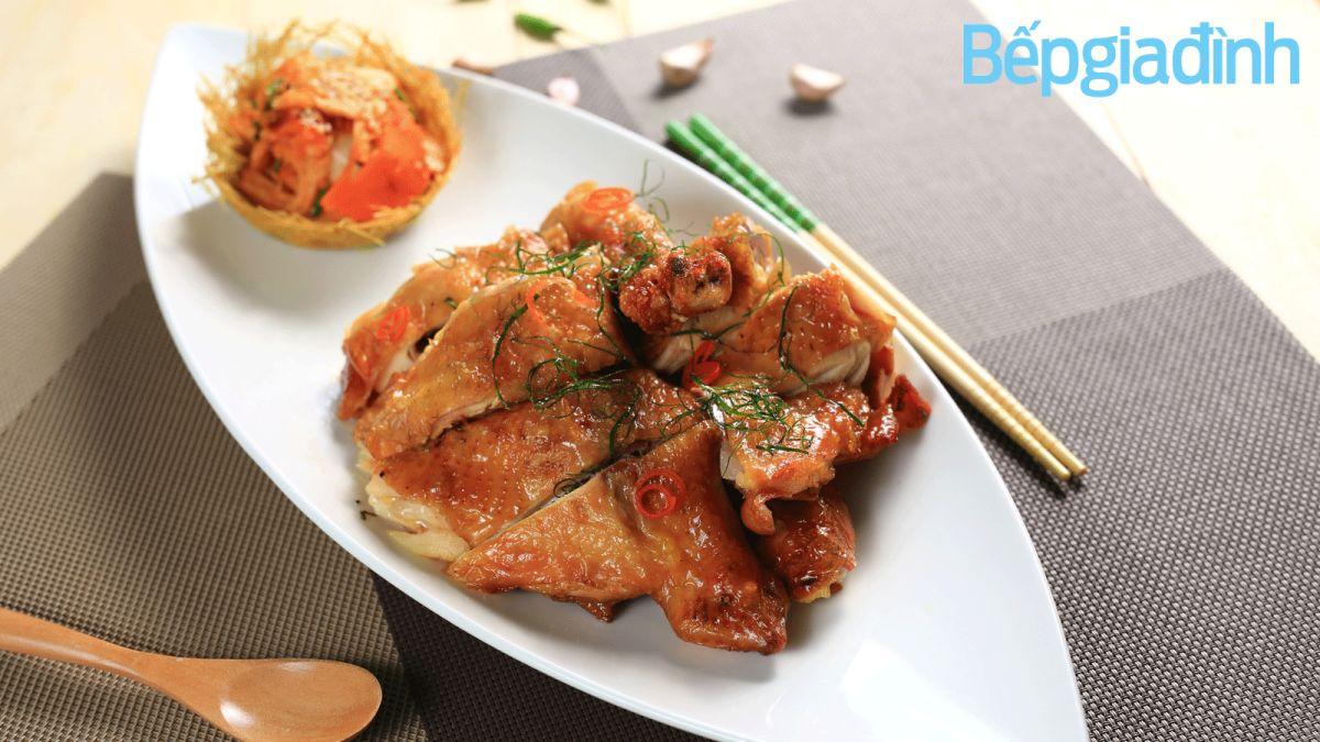 Món ngon cuối tuần: Quay gà ngon không cần lò nướng