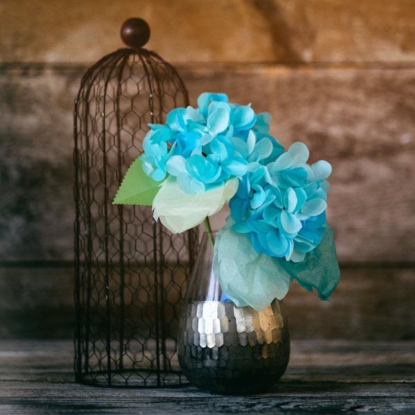 3 cách làm hoa giấy sắc màu trang trí đón Tết về - Ảnh 7.