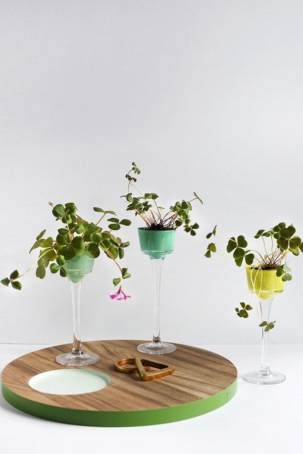 5 cách tái chế chai lọ thành bình cắm hoa đẹp siêu đơn giản - Ảnh 3.